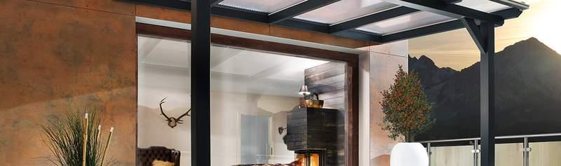 Eine Terrassenüberdachung aus Acrylglas